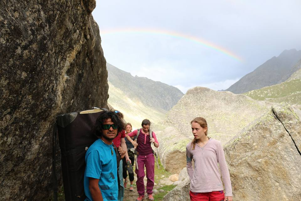 Bouldering Solang Valley and Chatru Himachal